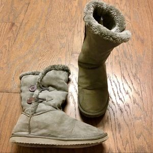Grey Furry Ugg-style Boots